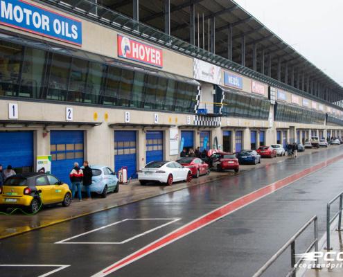 Pit Lane beim eco Grand Prix 24h of Germany